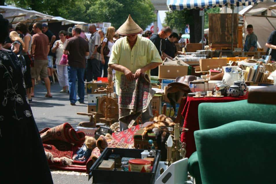 Berlin Flea Markets: Straße-des-17-Juni-Flea-Market