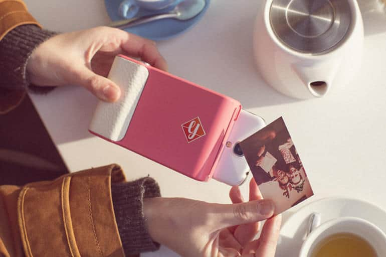 Prynt turns your smartphone into a Polaroid camera 006