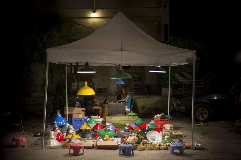 Talad Rot Fai flea market Bangkok - Copyright Lorraine Creaser -001