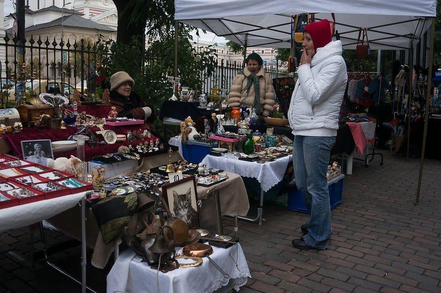 Hans Johnsson Flea Market Bucharest 002