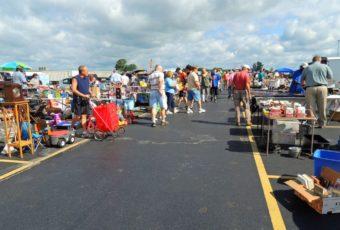 Caesar Creek Flea Market Ohio photo by E. Zeller of here4now.typepad.com
