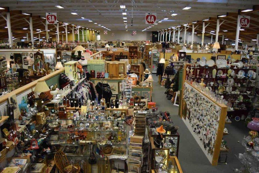 Apple Annie Antique Market © Apple Annie Antique Market Facebook