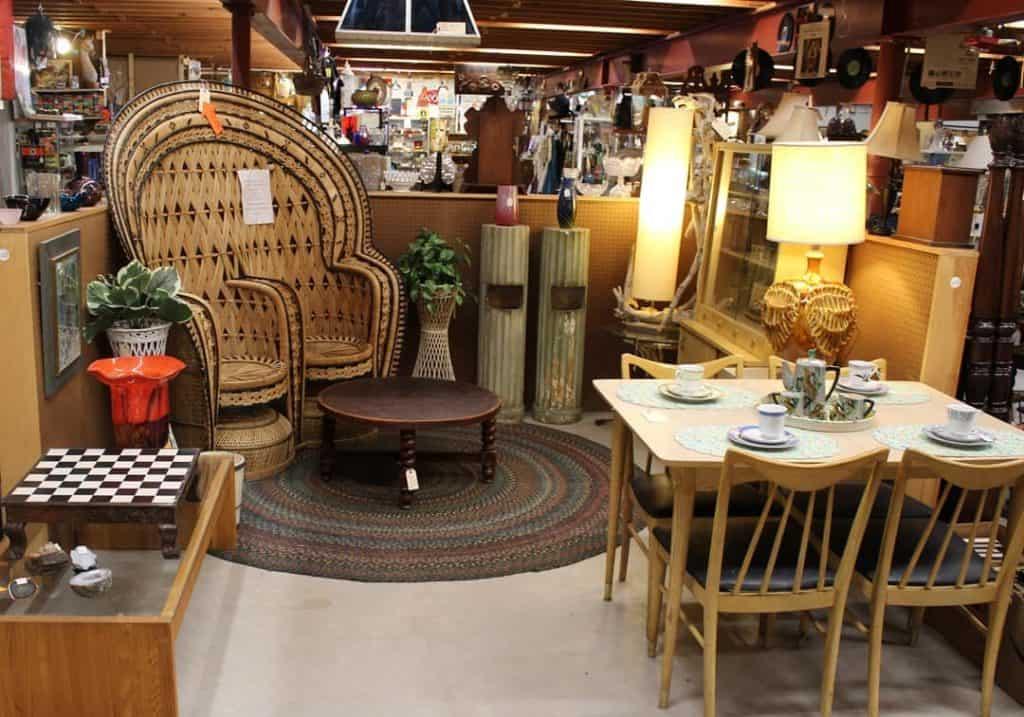 Rhode Island Antiques Mall © Rhode Island Antiques Mall Facebook