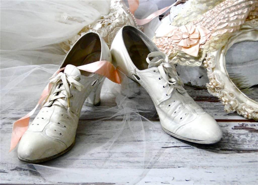 Vintage Bridal Shoes © Sue Ellens Flair