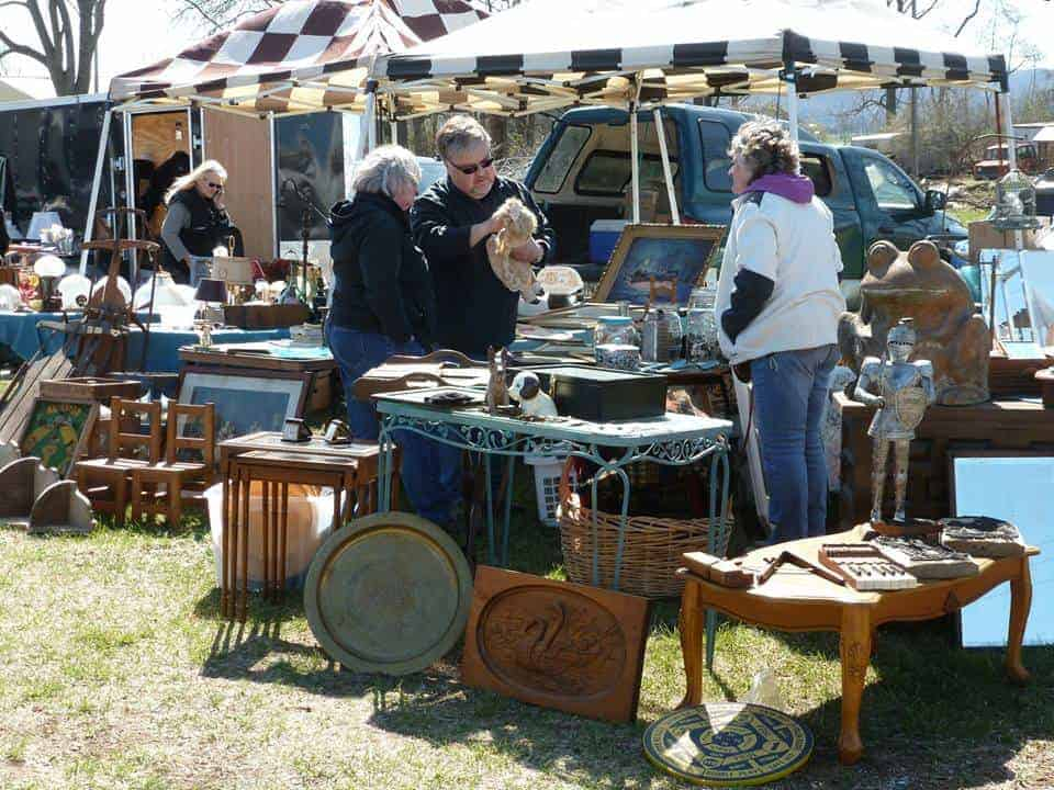 Adamstown, PA for Antiques Extravaganza
