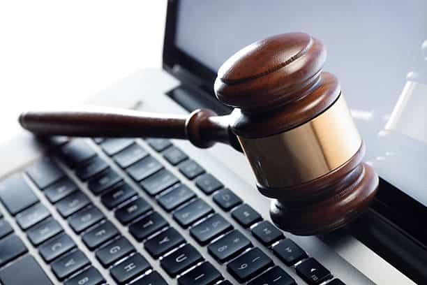 Bid Online for Flea Market Goods © iStock