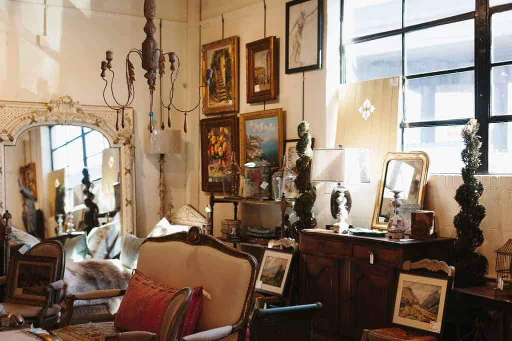 Charleston Antiques District copyright Wynsum Antiques