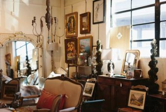 Charleston Antiques District copyright Wynsum Antiques