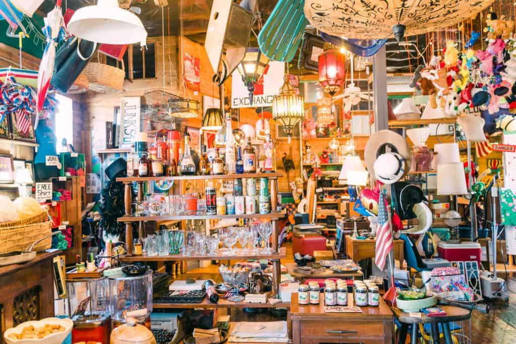 Vendors Buy Thrifty © Junks Above Justen Williams