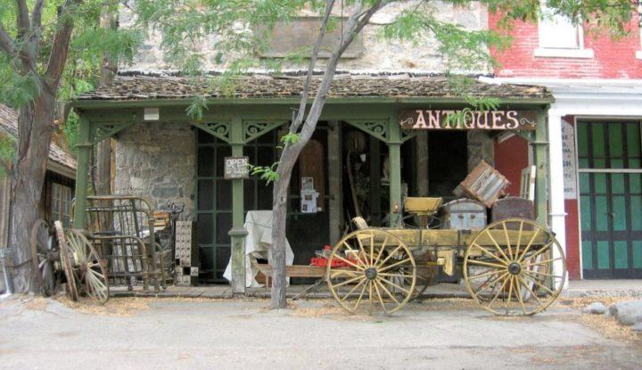 Genoa Antique Store