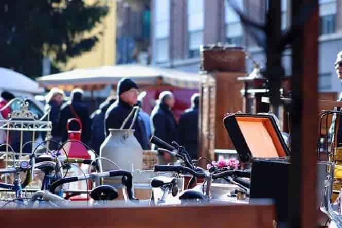 Balon del Sabato Open Air Weekly Flea Market For Antiques In Europe