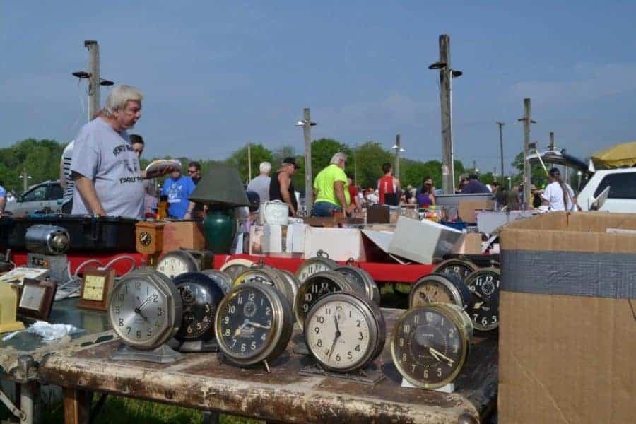 Rogers flea market Ohio © Jimmy Roller